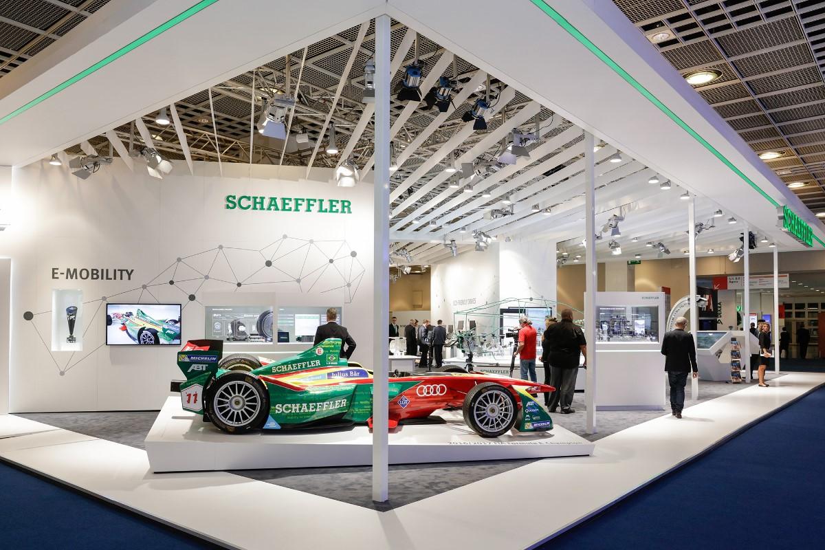 Exhibition Stand Staff Training : Schaeffler training marketingesp